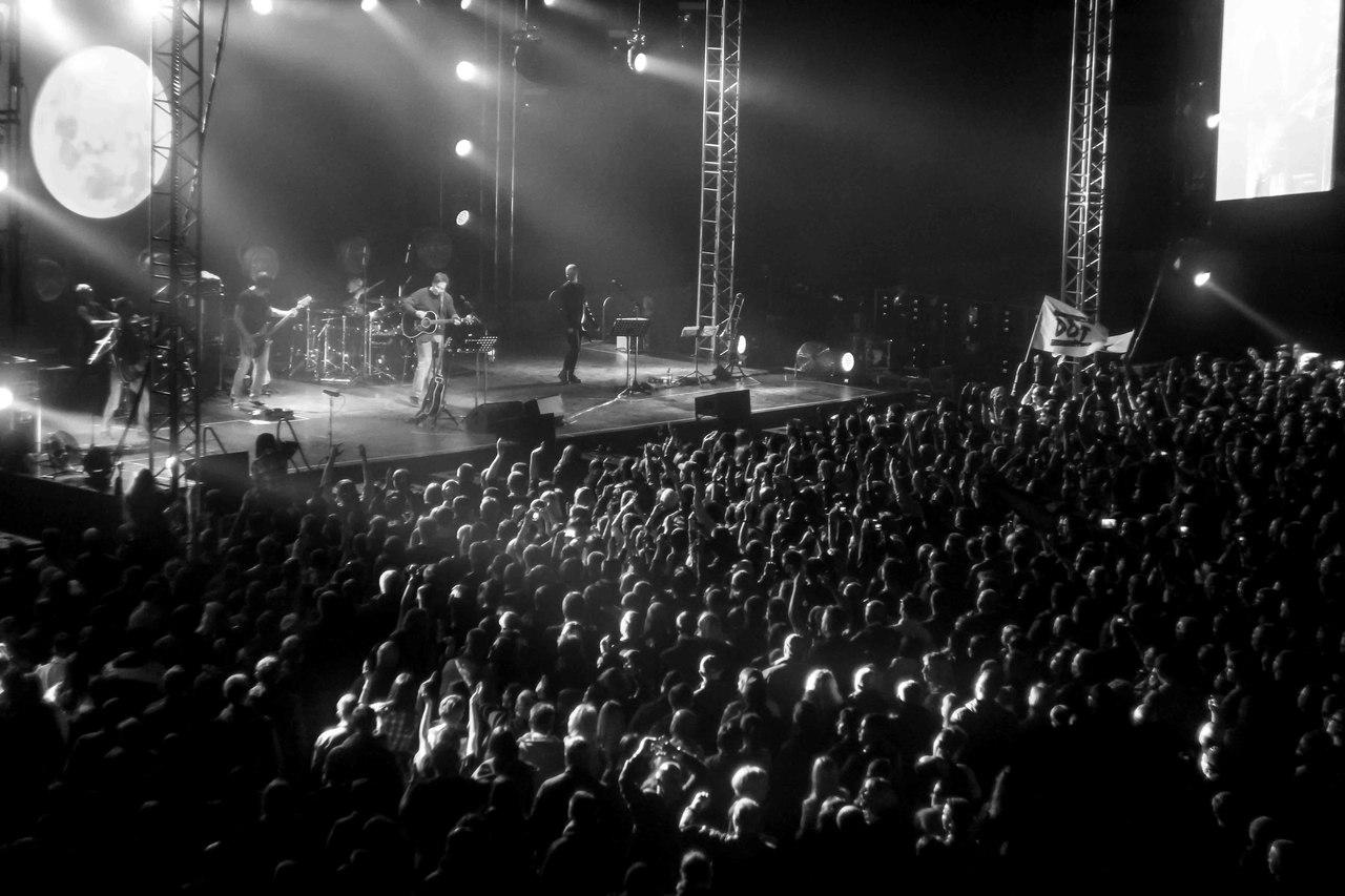 200 грн - 29 сентября в донецке в дм юность со своей новой версией концерта выступит группа аквариум -  4 000